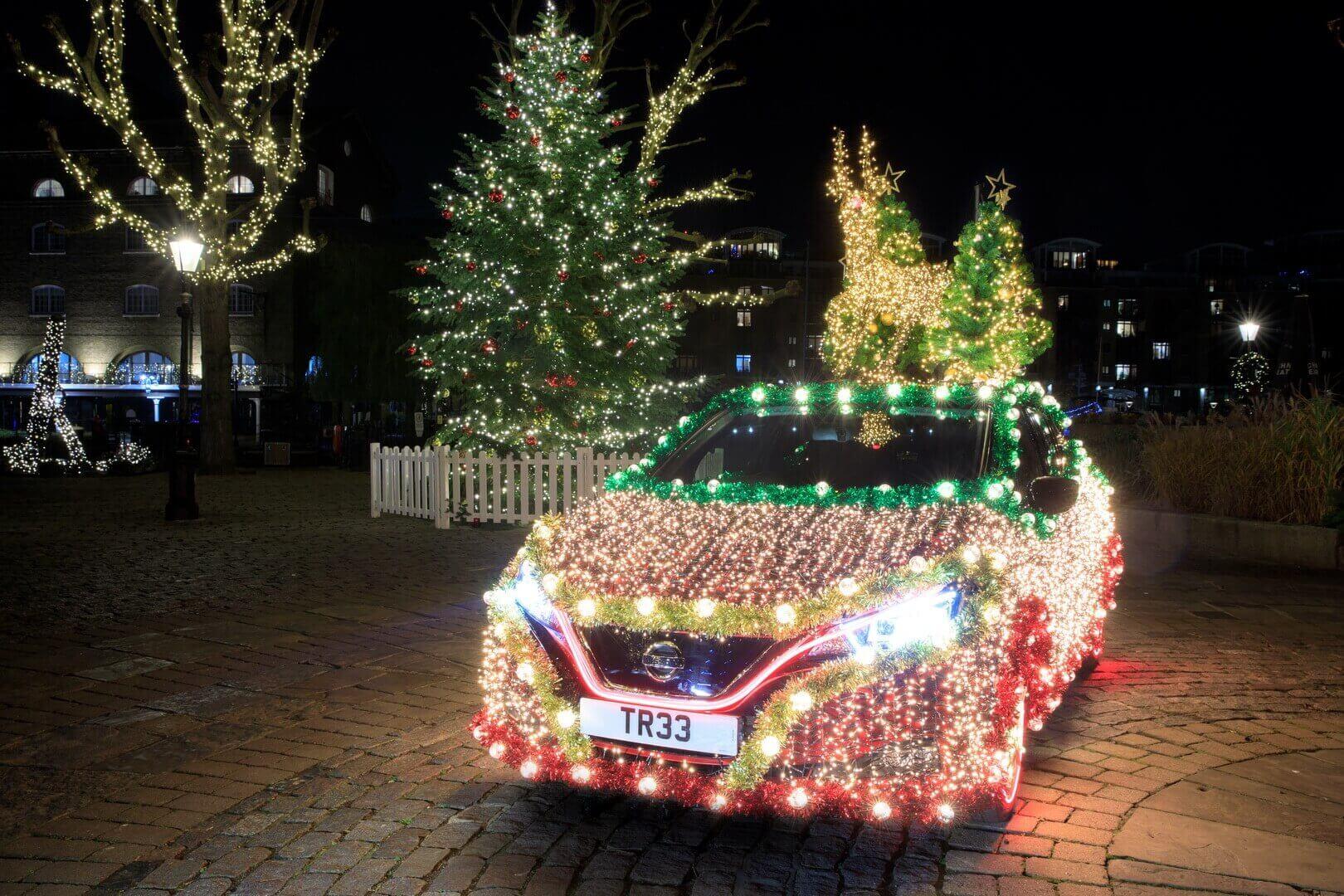 Nissan превратил LEAF в «новогоднюю елку»