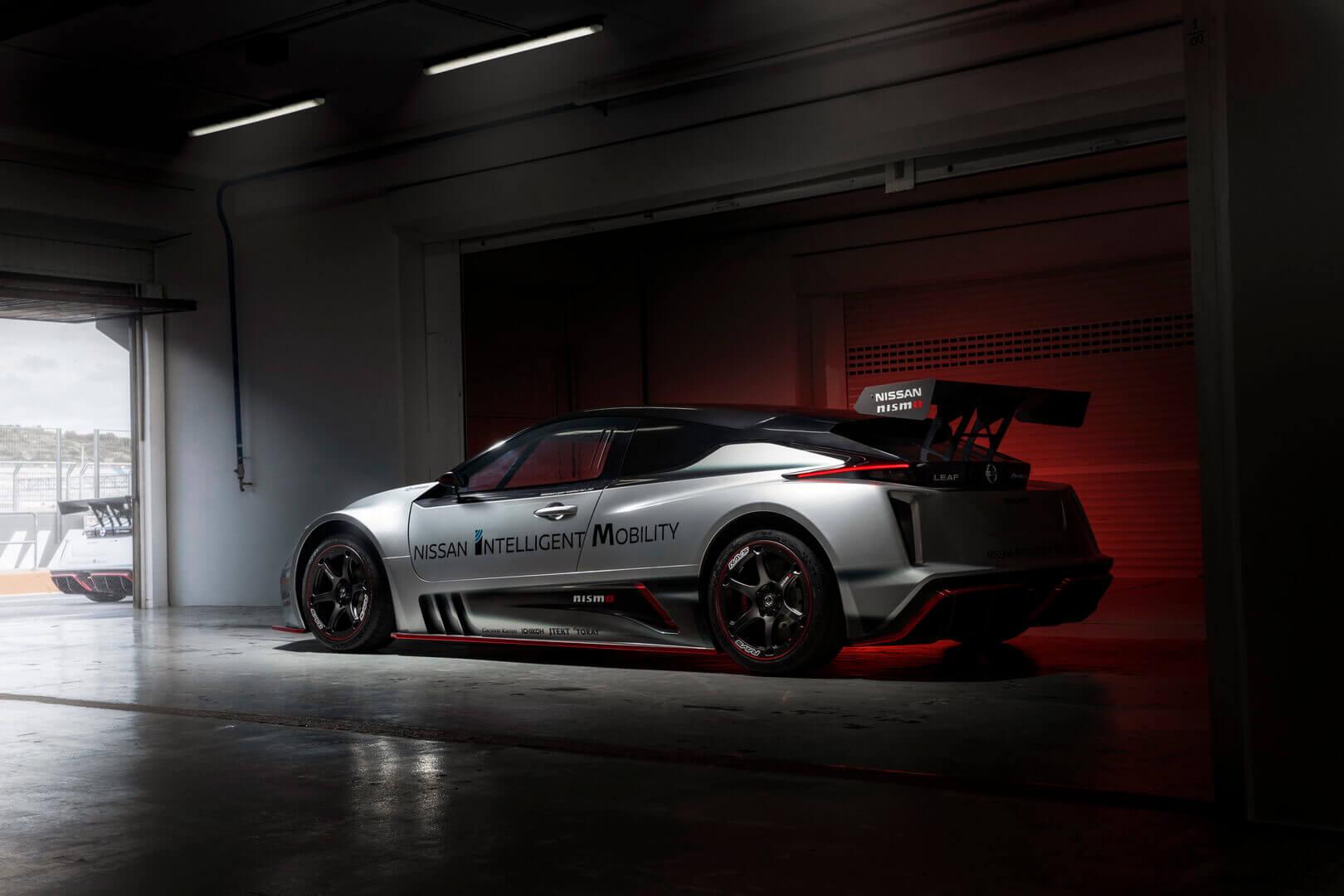 Nissan представил гоночный LEAF NISMO RC