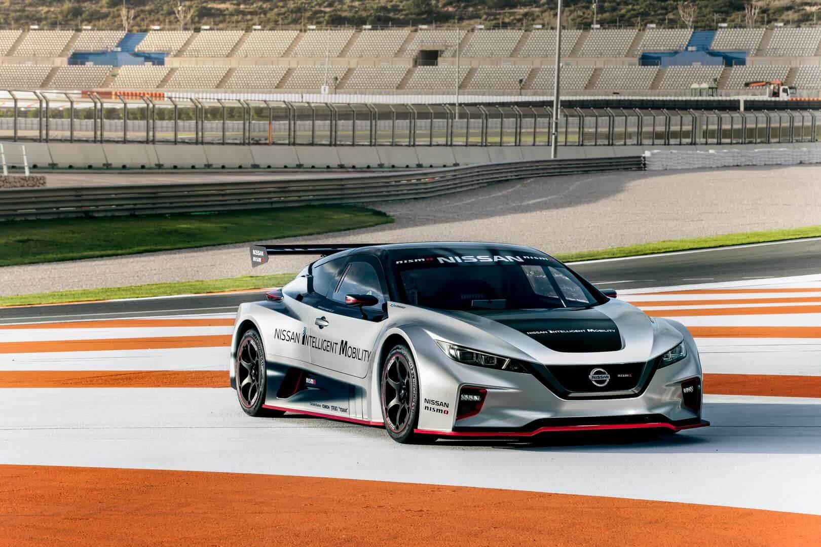 Nissan представил гоночный электромобиль LEAF NISMO RC в Европе
