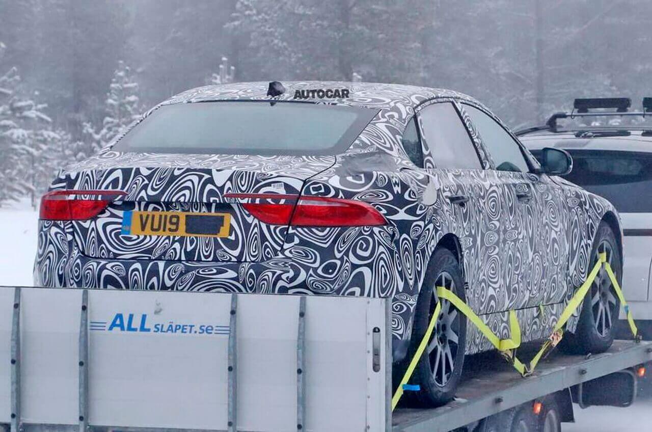 Jaguar XJ 2020 с электроприводом