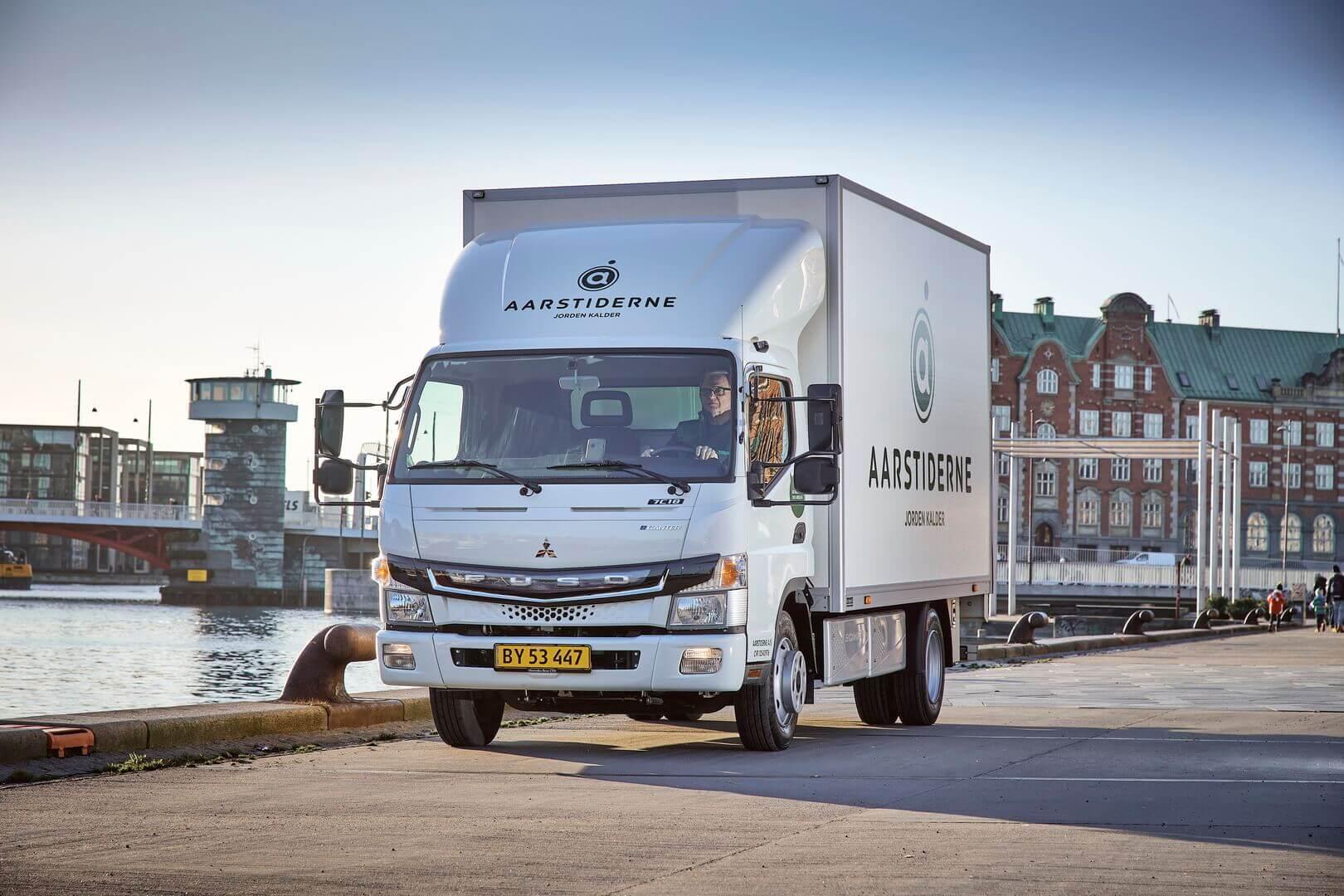 Электрический грузовик FUSO eCanter для компании Aarstiderne