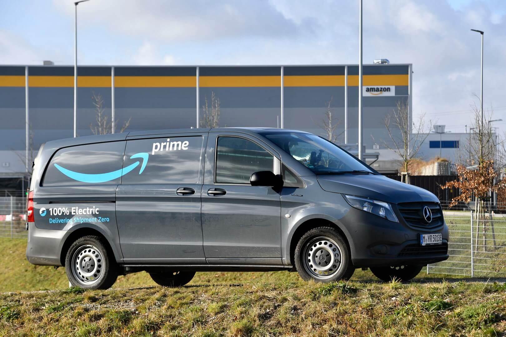 10 Mercedes-Benz eVito пополнили автопарк Amazon в Мюнхене