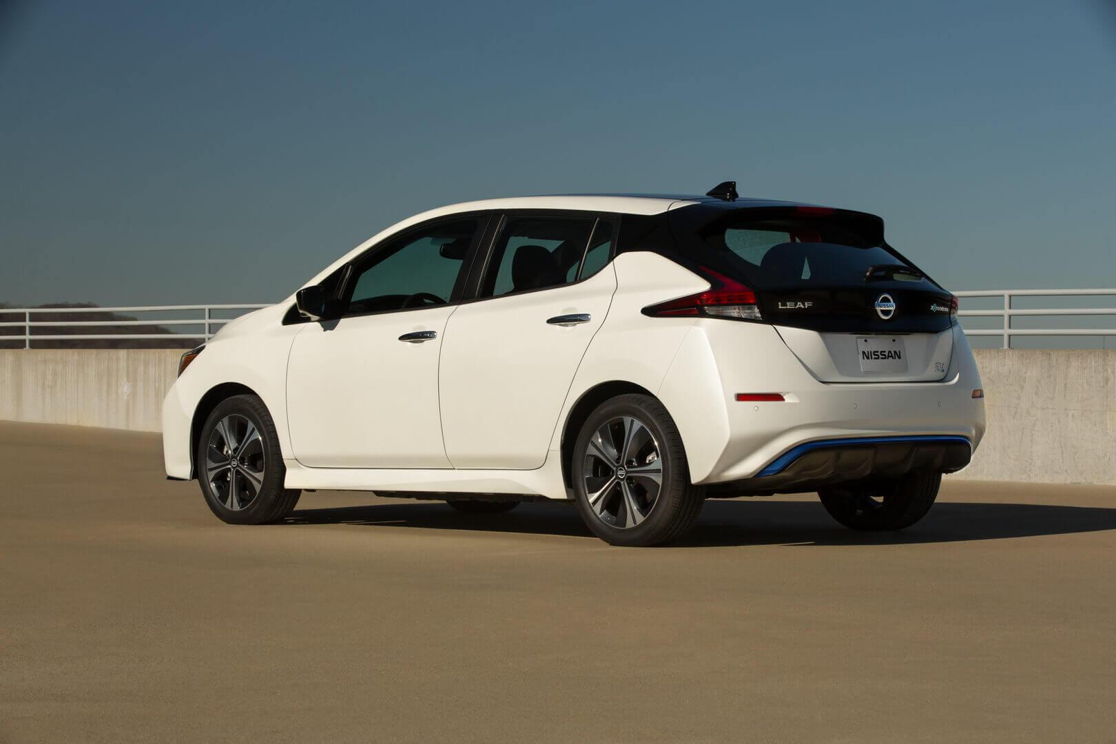 Электромобиль Nissan LEAF SV Plus 2020 года
