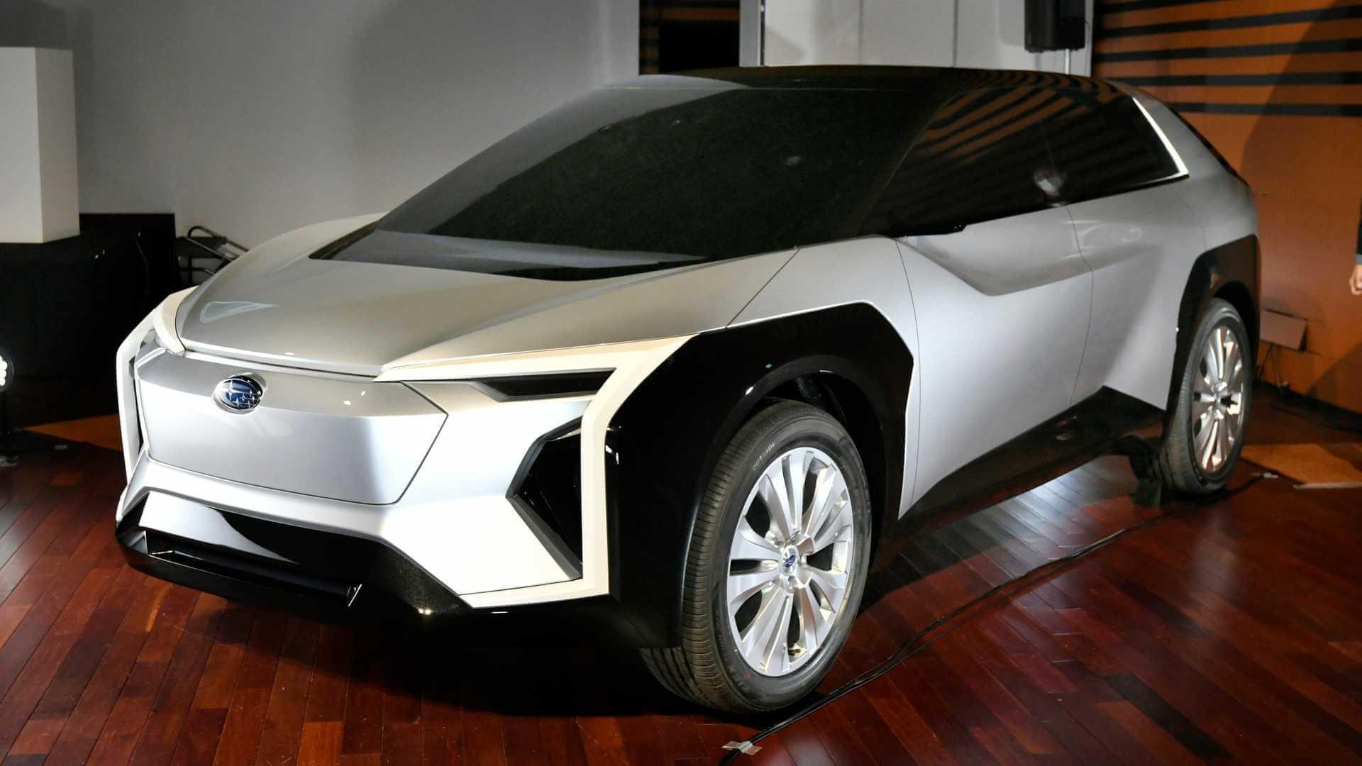 Subaru представила концепт электрического кроссовера
