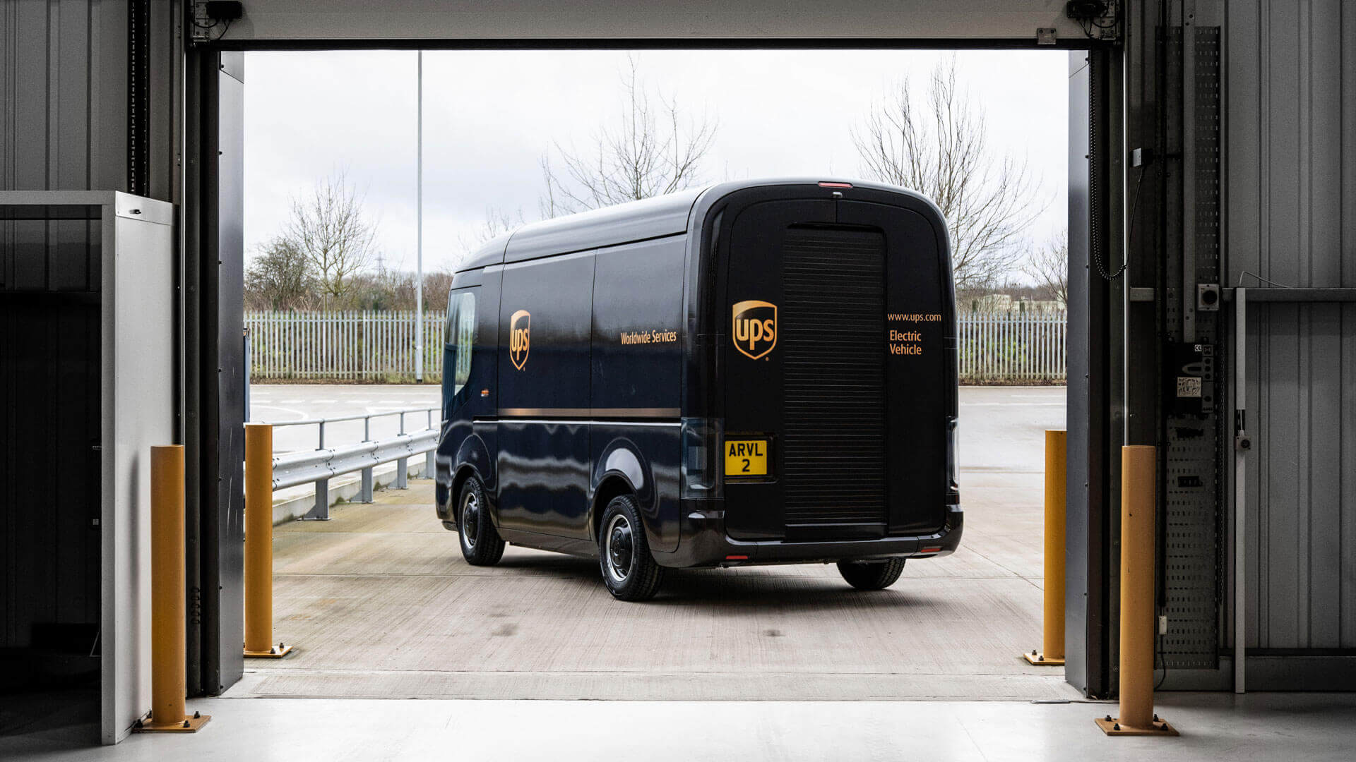 Электрический грузовик Arrival для UPS