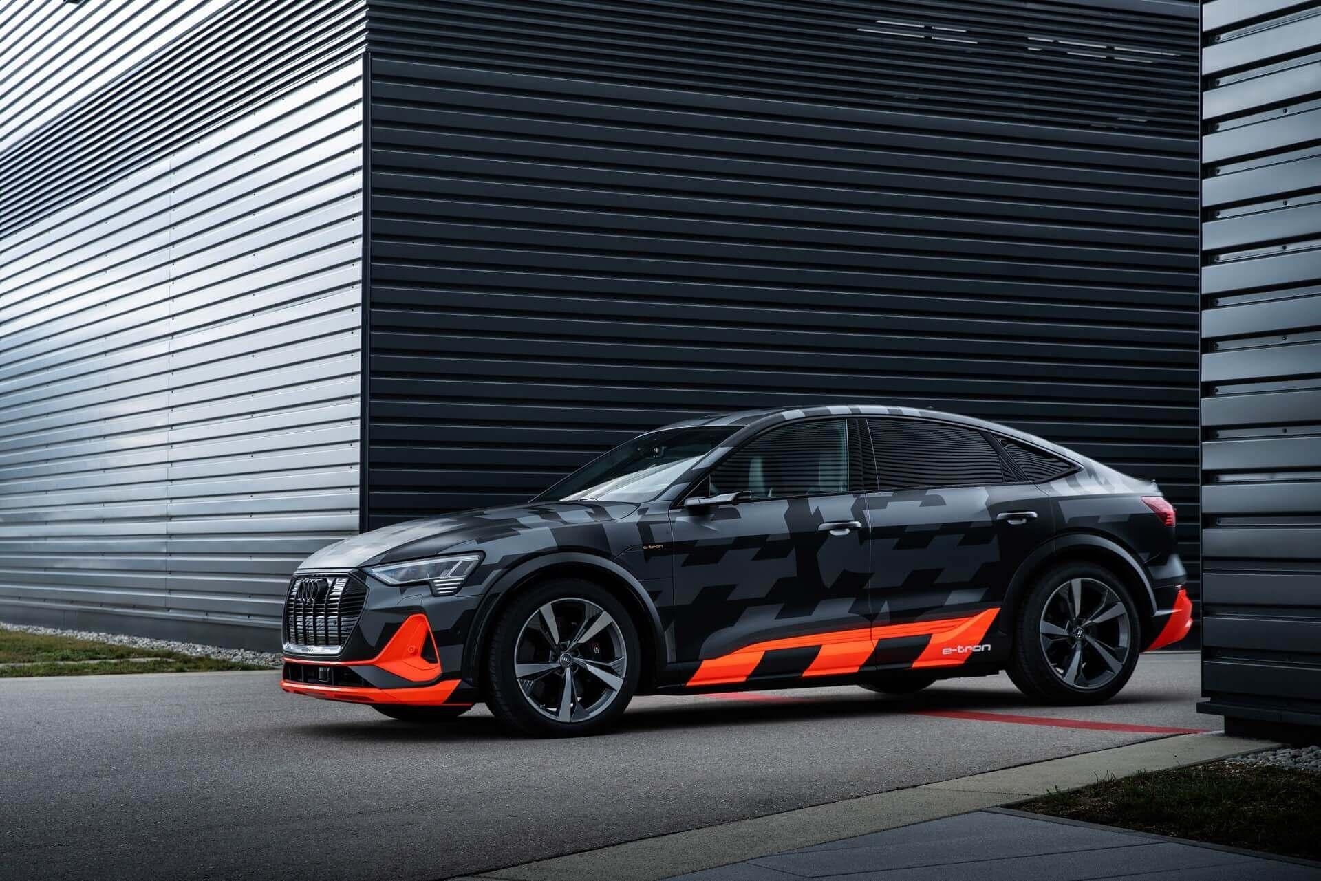 Audi e-tron Sportback стал трехмоторным