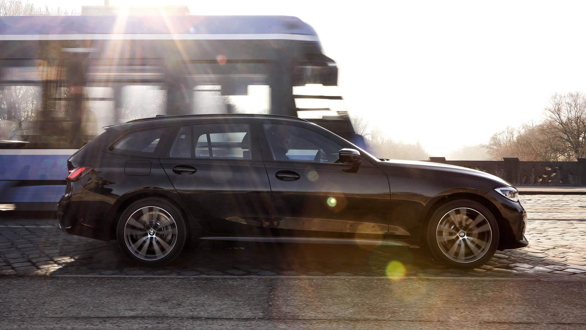 Плагин-гибрид BMW 330e xDrive Touring