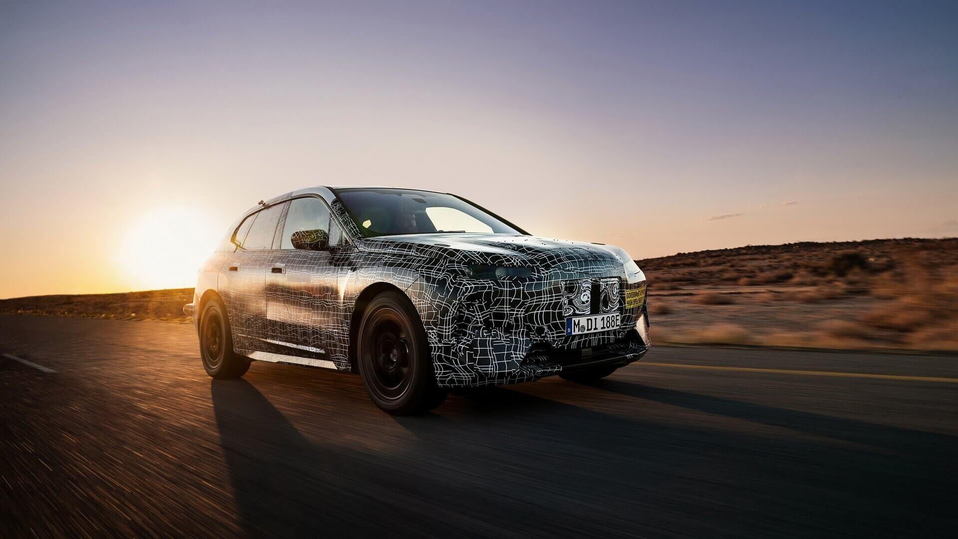 Экстремальные испытания BMW iNEXT в Калахари