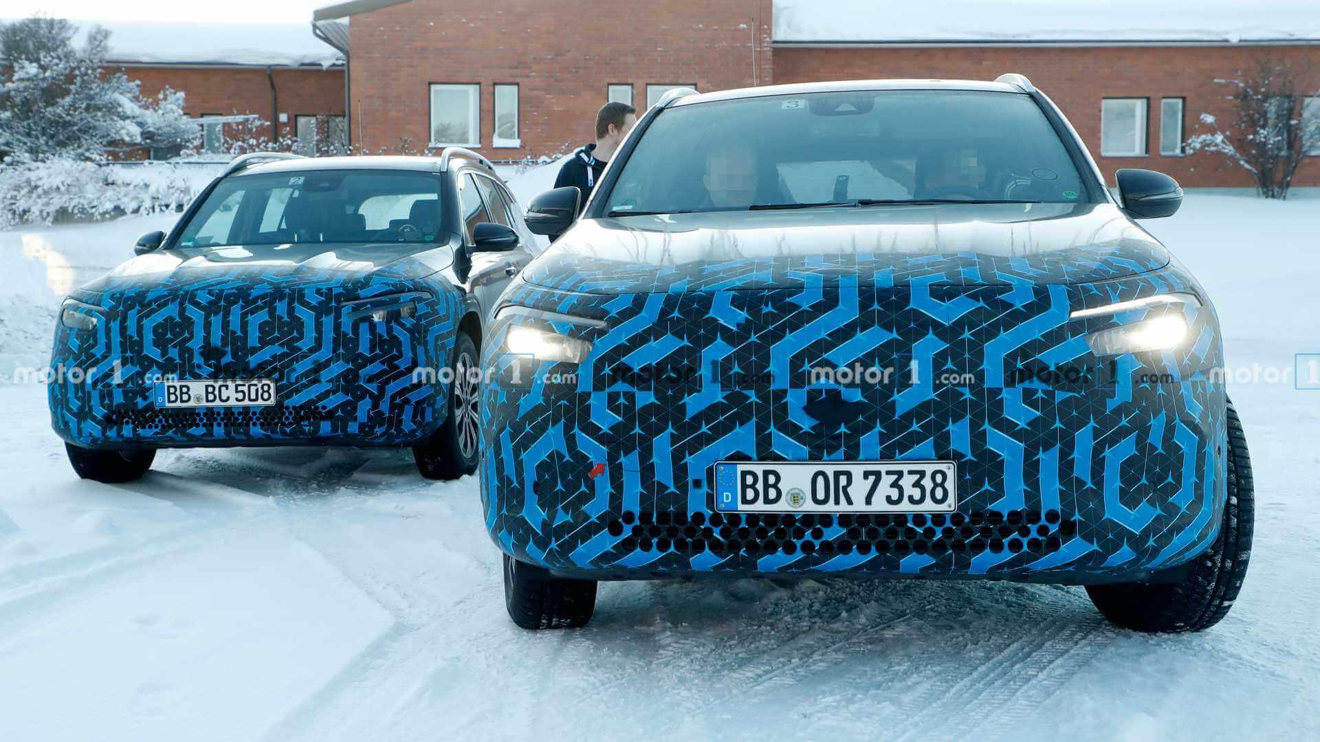Электрические кроссоверы Mercedes-Benz EQA и EQB