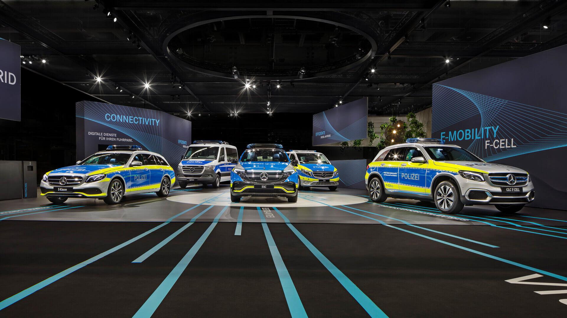 Электрифицированные полицейские автомобили Mercedes-Benz: E-Class 300 de Estate, GLC F-CELL и EQC