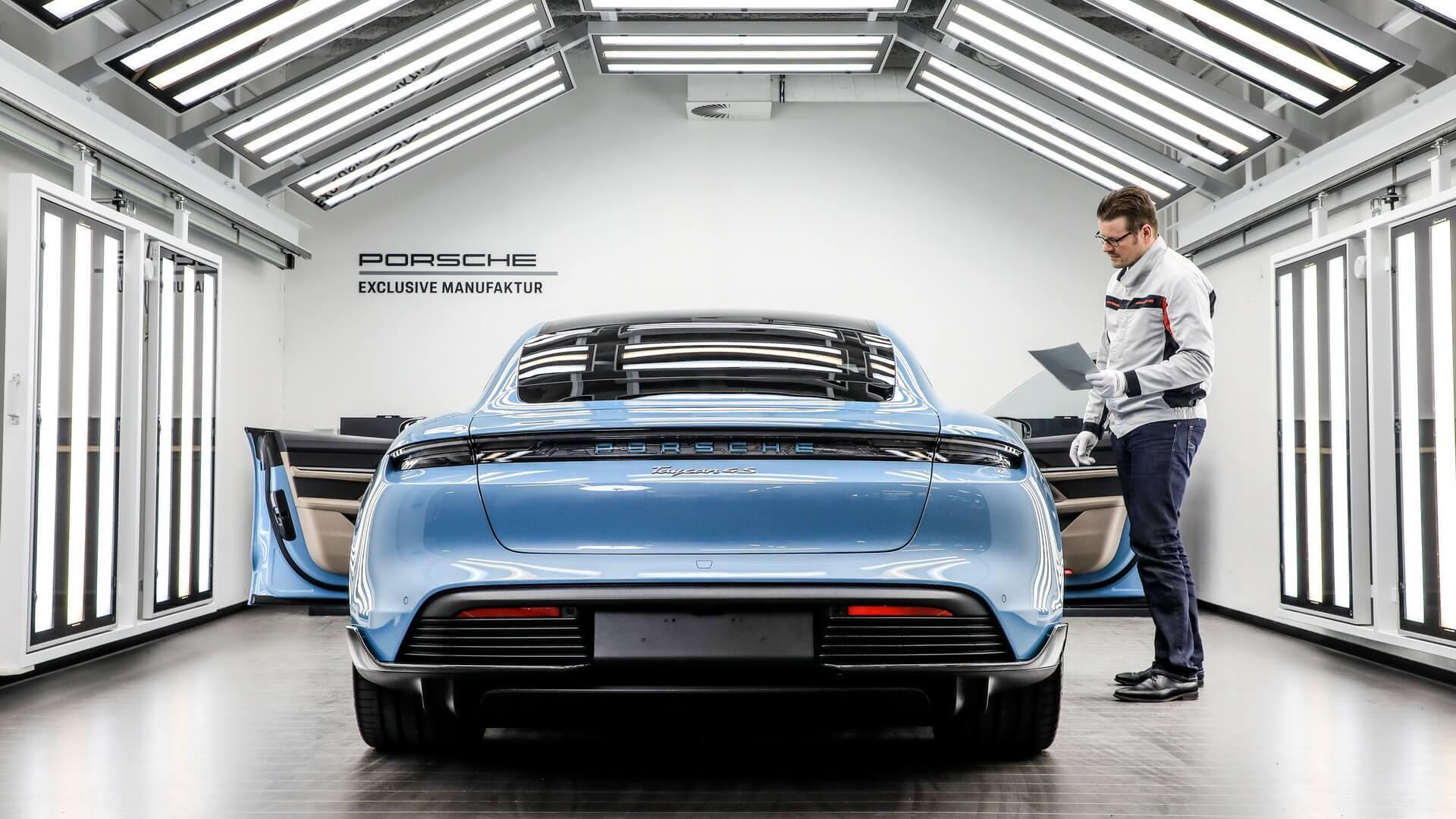 Электрический Porsche Taycan получил 90эксклюзивных опций
