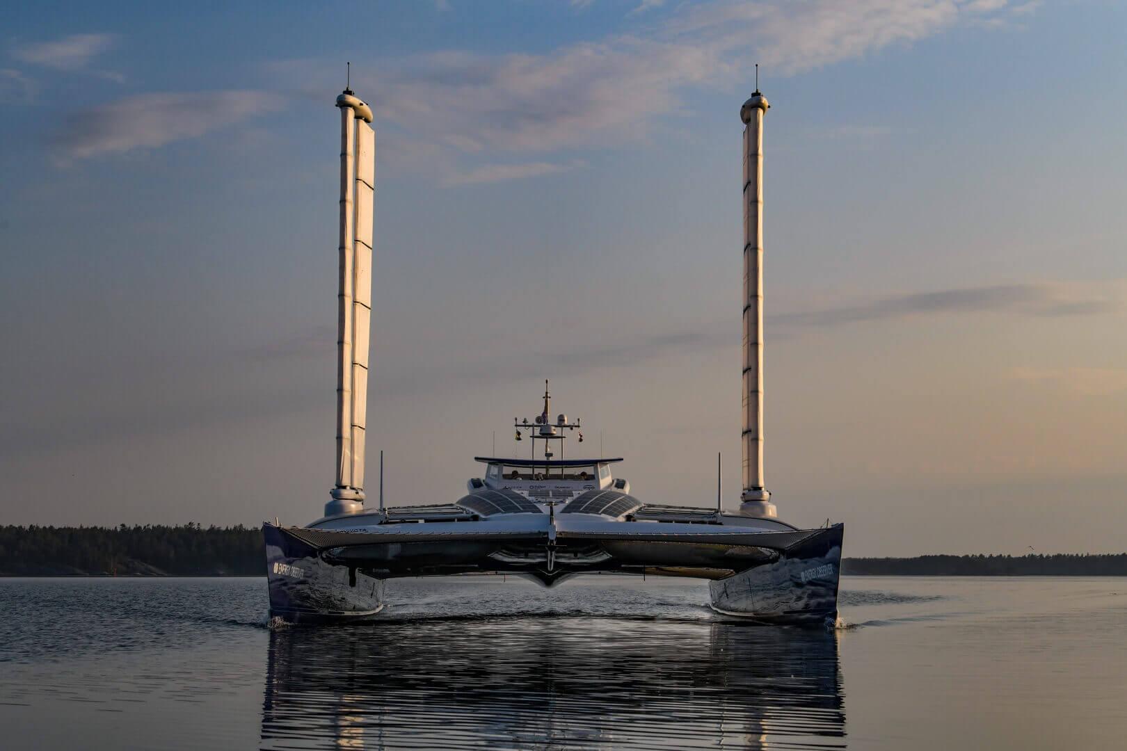 Energy Observer выйдет в море на водородном приводе от Toyota Mirai