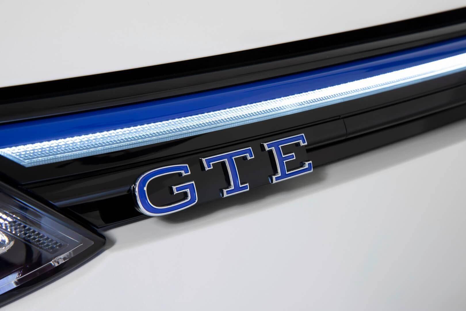 Синие светодиодные полосы Volkswagen Golf для версии GTE