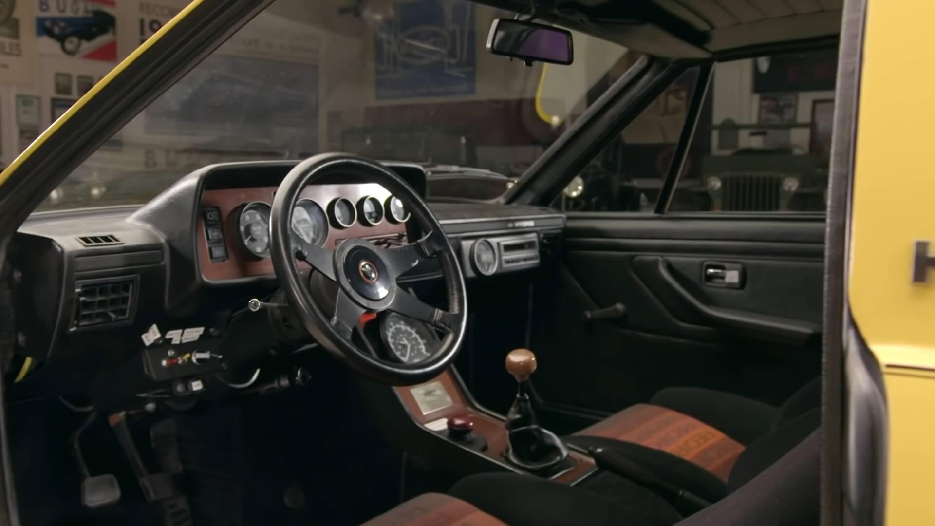 Интерьер концептуального гибрида Briggs & Stratton Hybrid 1980 года