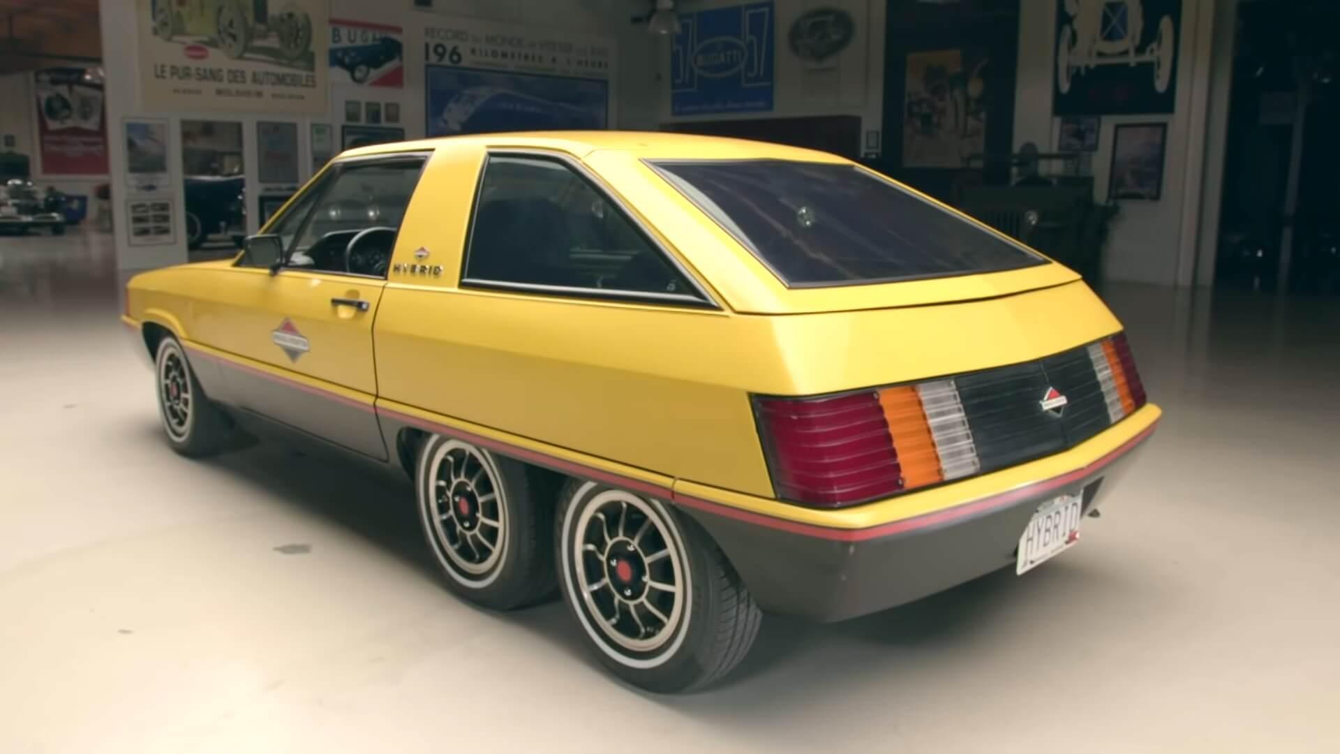 Шестиколесное шасси Briggs & Stratton Hybrid было позаимствовано от небольшого электрического фургона. Дополнительный набор колес был необходим, чтобы помочь выдержать вес батарей