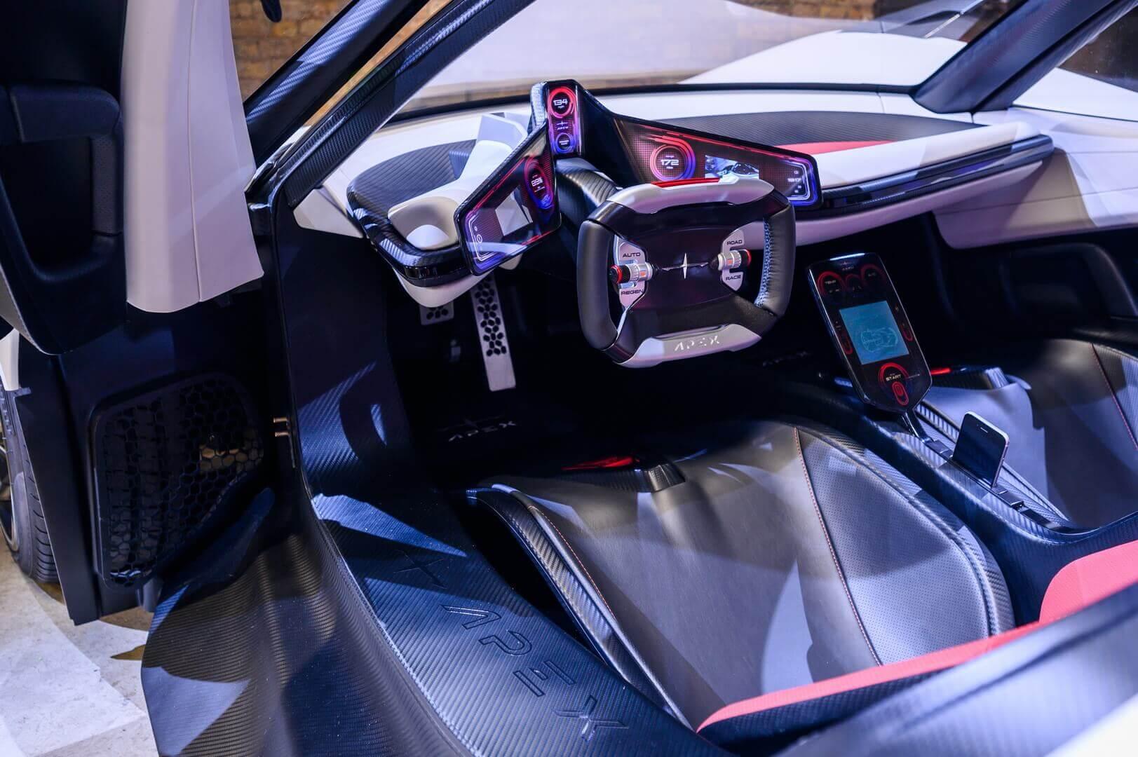 Интерьер электрического спорткара APEX AP-0