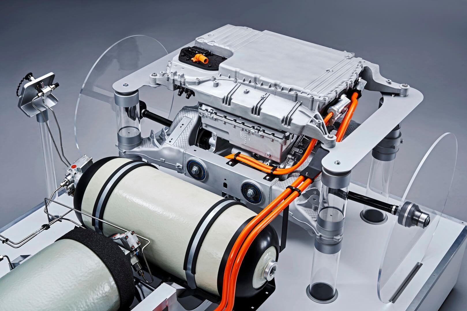 BMW i Hydrogen NEXT использует систему топливных элементов, которая вырабатывает до 125 кВт