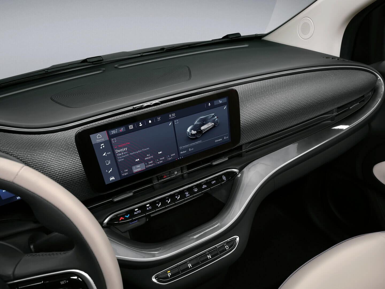 10,25-дюймовый горизонтальный сенсорный экран Fiat 500e