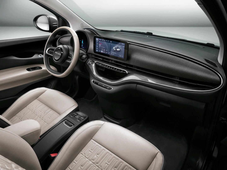 Интерьер Fiat 500e 2020