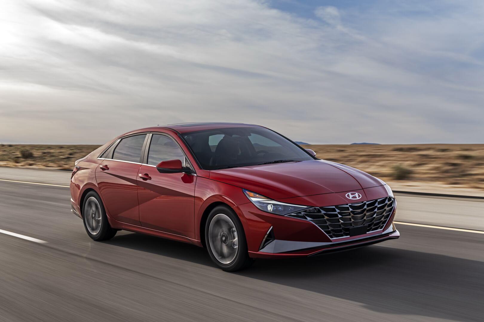 Бизнес-седан Hyundai Elantra получил гибридную модификацию