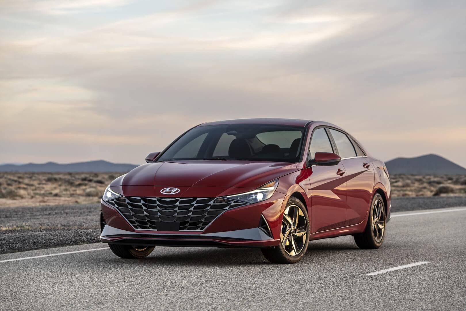 Бизнес-седан Hyundai Elantra седьмого поколения получило гибридный привод