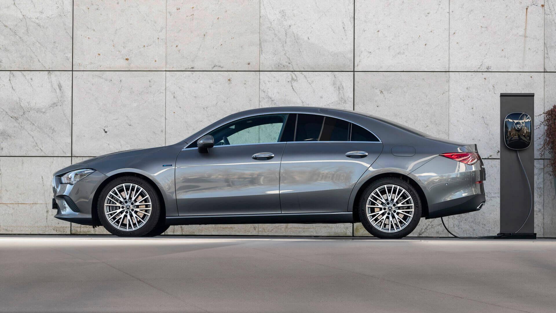 Плагин-гибрид Mercedes-Benz CLA 250 e Coupé