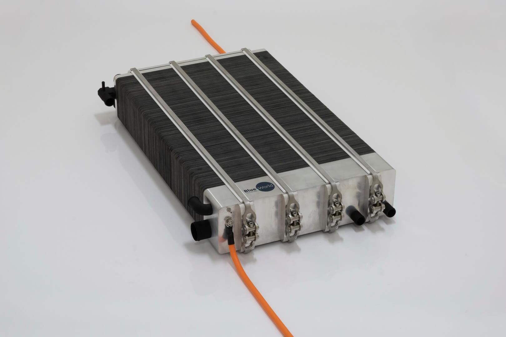 Метанольный топливный элемент суперкара Nathalie