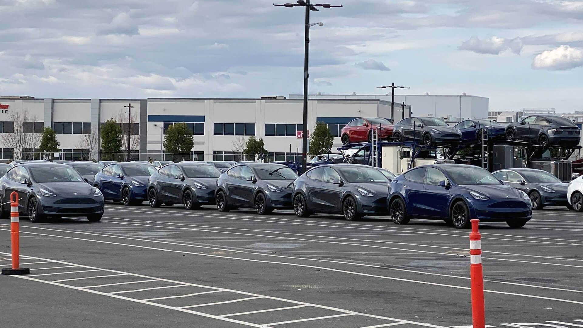 Tesla начала отгрузку Model Y с завода в Калифорнии