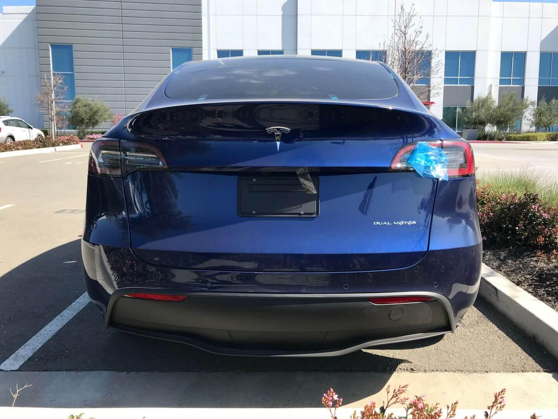 Качество сборки Tesla Model Y на первых фото серийной модели