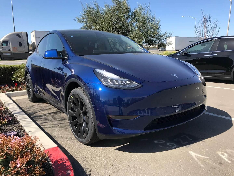 Серийная версия Tesla Model Y