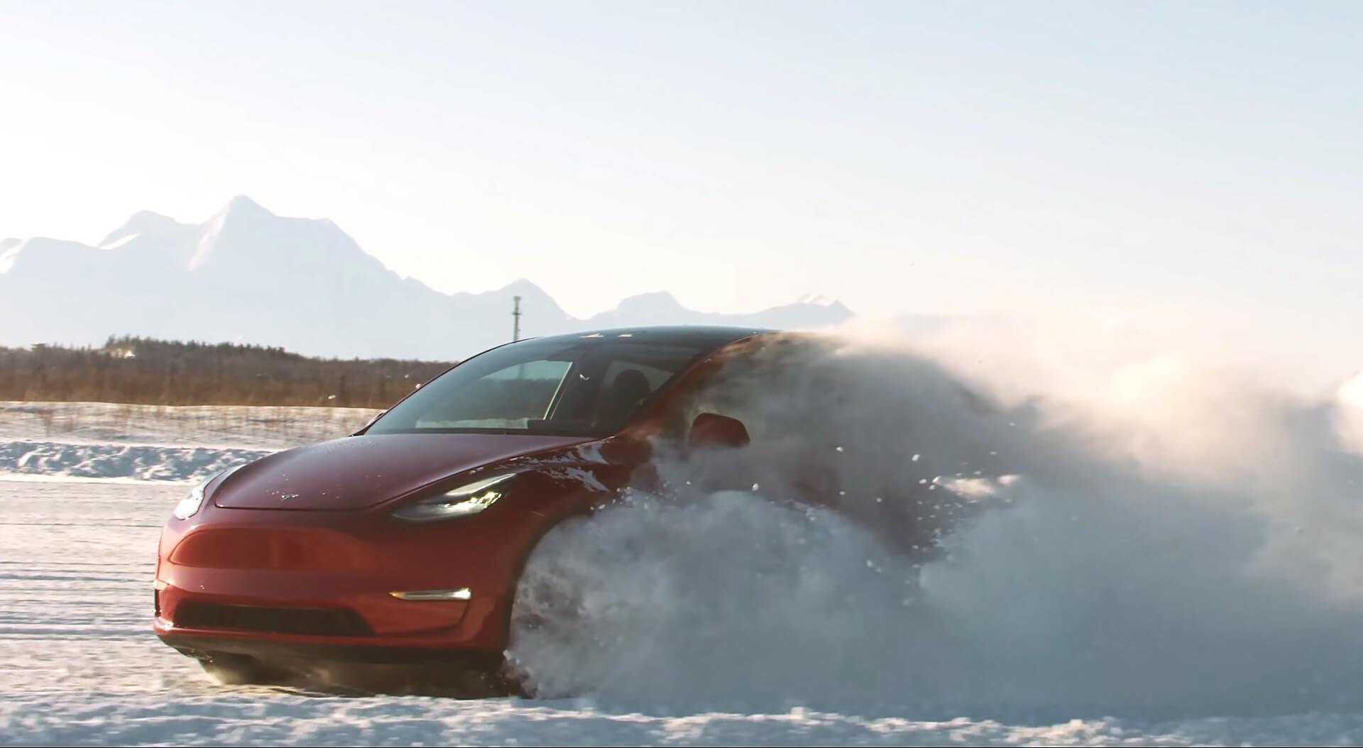 Зимние испытания Tesla Model Y