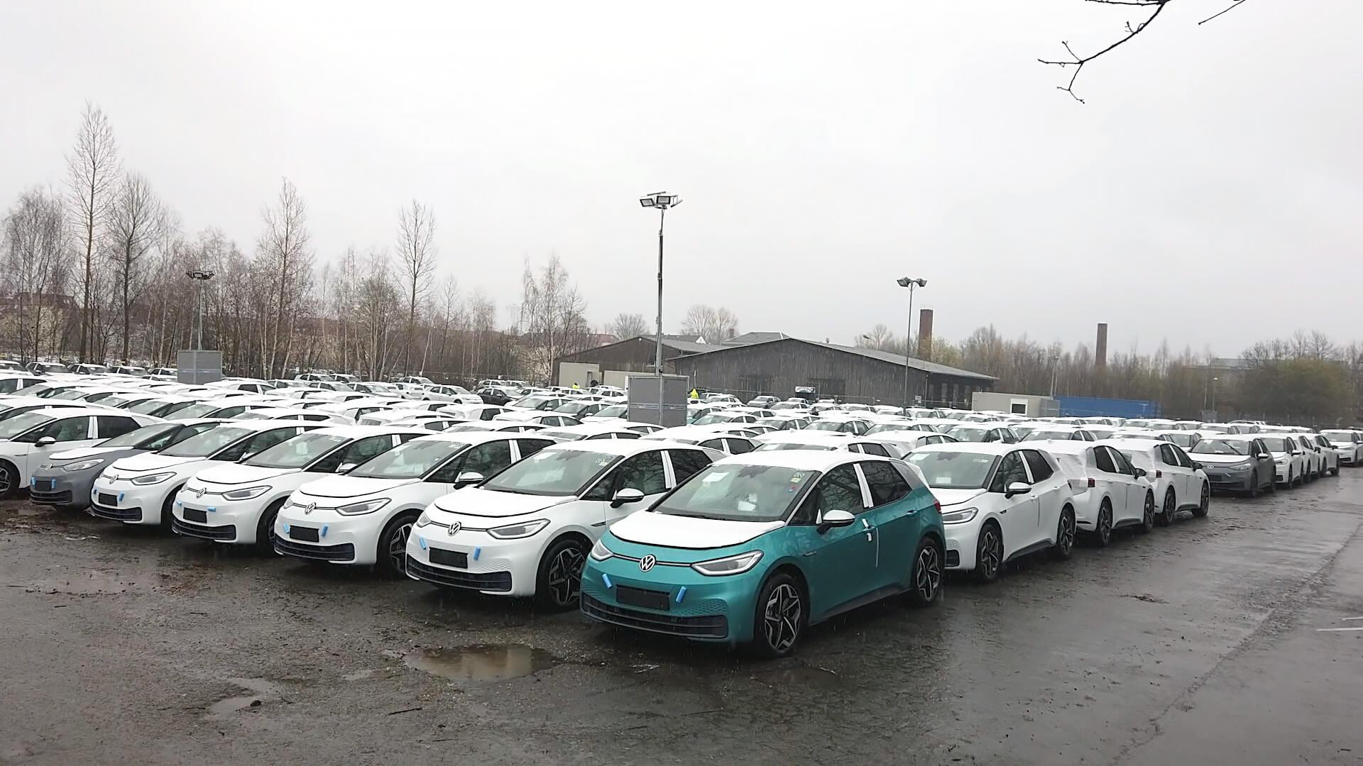 Тысячи Volkswagen ID.3 обнаружены на парковках в Германии
