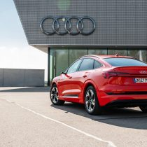 Фотография экоавто Audi e-tron Sportback 55 quattro - фото 3