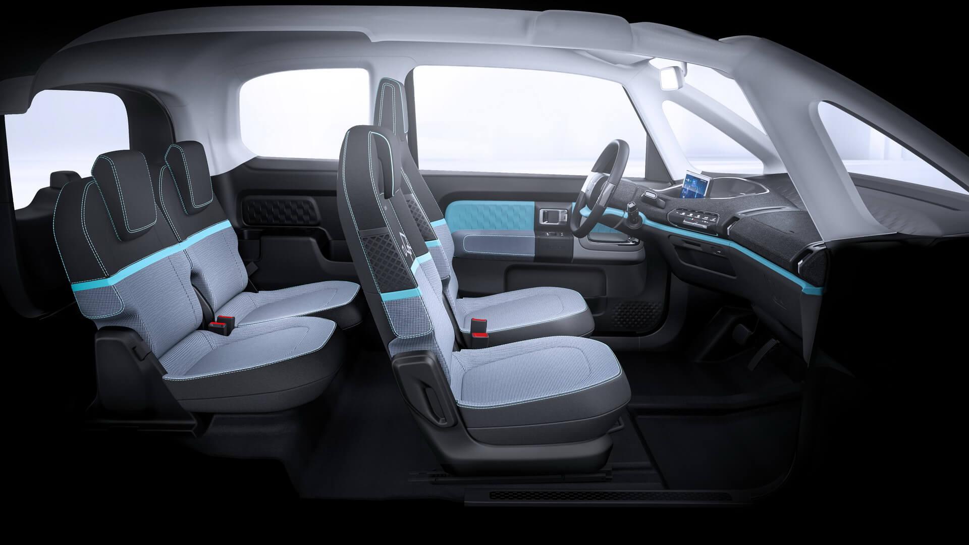 Салон компактного электромобиля Baojun E300 PLUS для китайского рынка