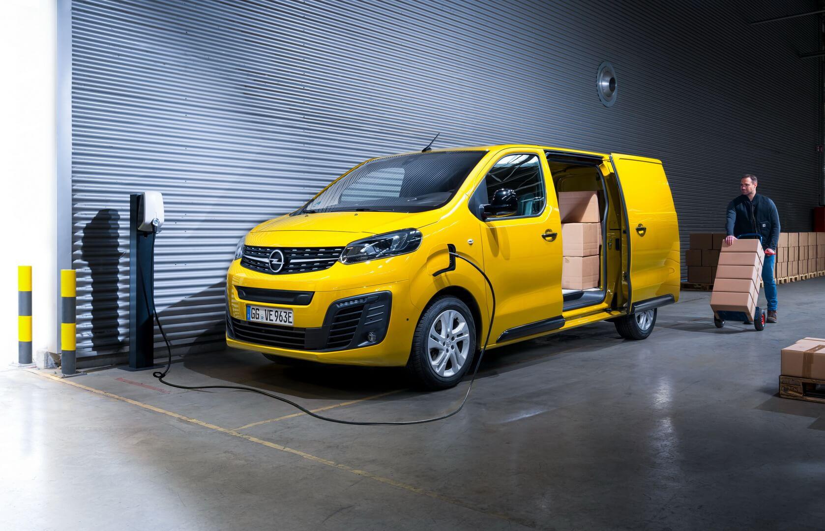 Электрический фургон Opel Vivaro-e