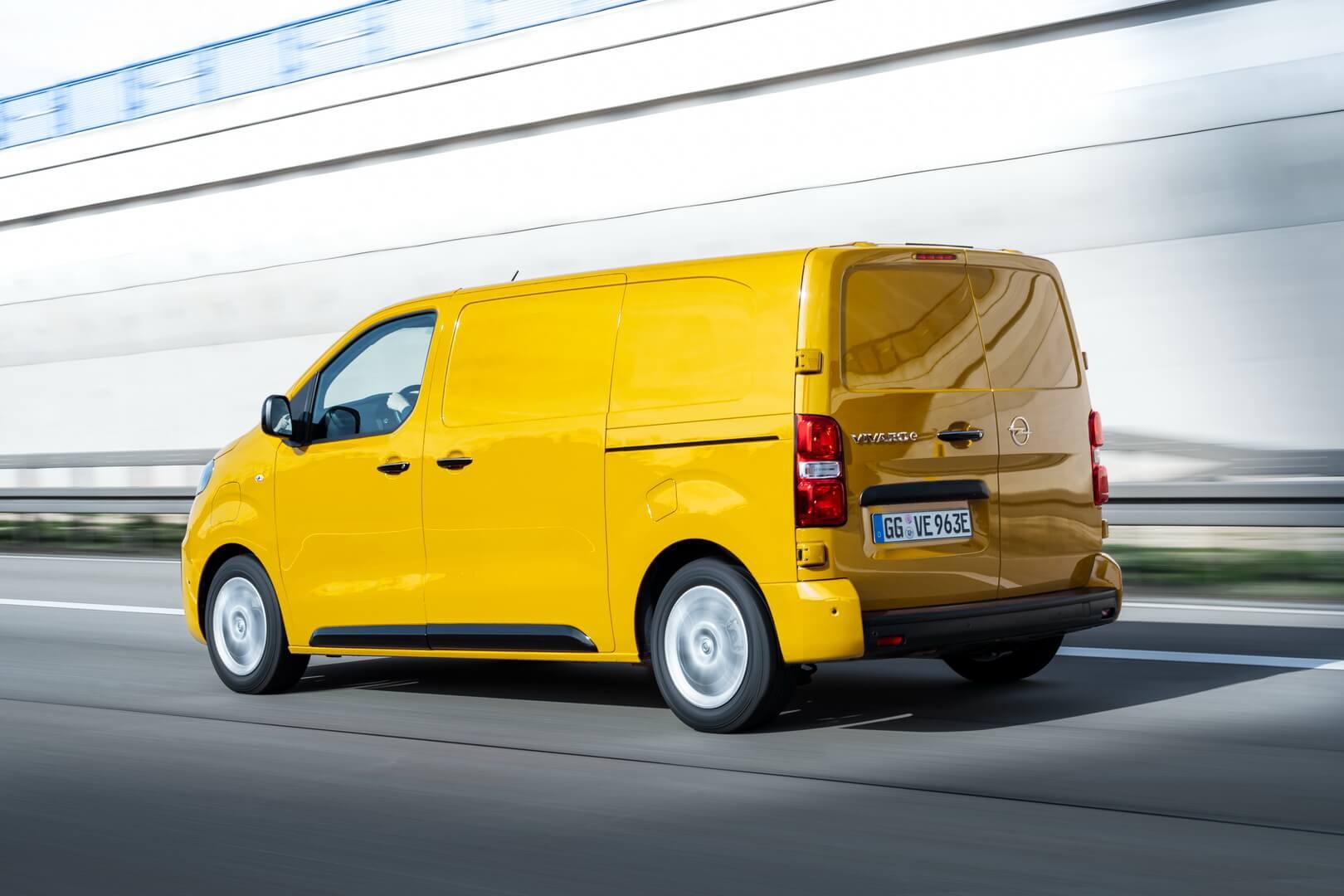 Электрофургон Opel Vivaro-e получил дополнительное прицепное устройство