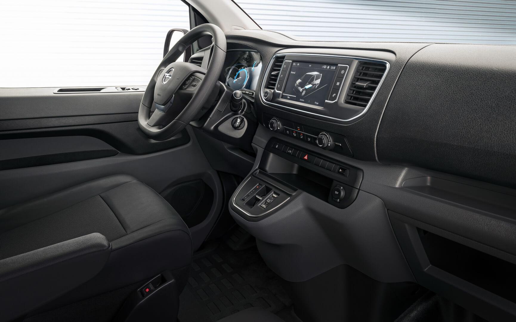 Салон электрического фургона Opel Vivaro-e