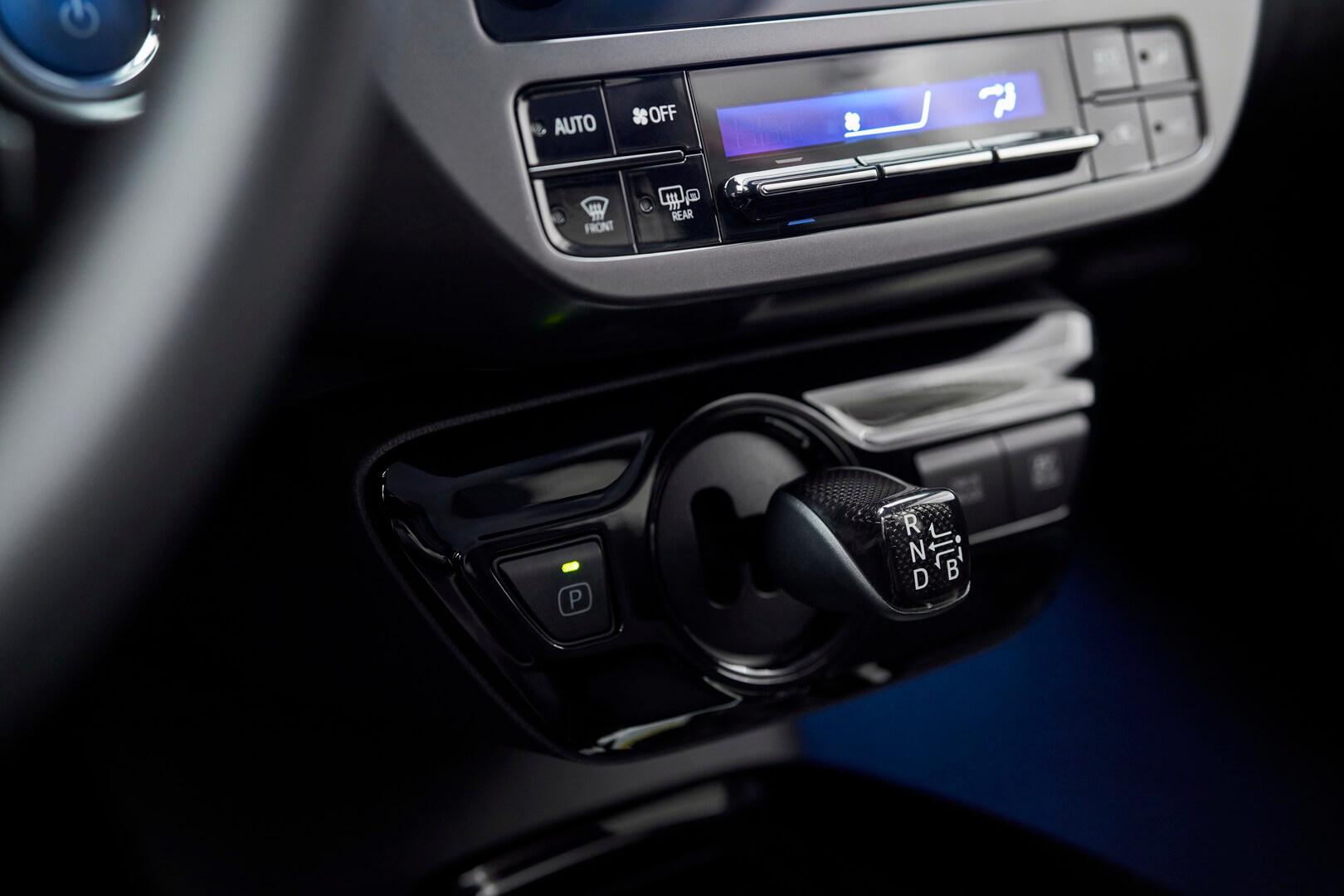 Ручка переключения передач Toyota Prius 2020 Edition