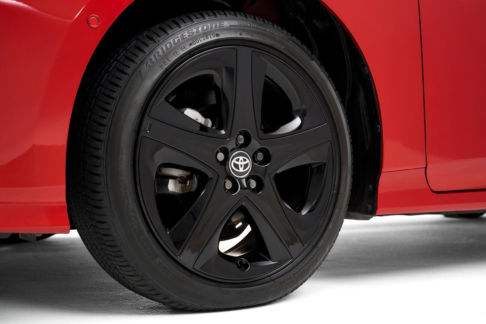 17-дюймовые литые диски Toyota Prius 2020 Edition