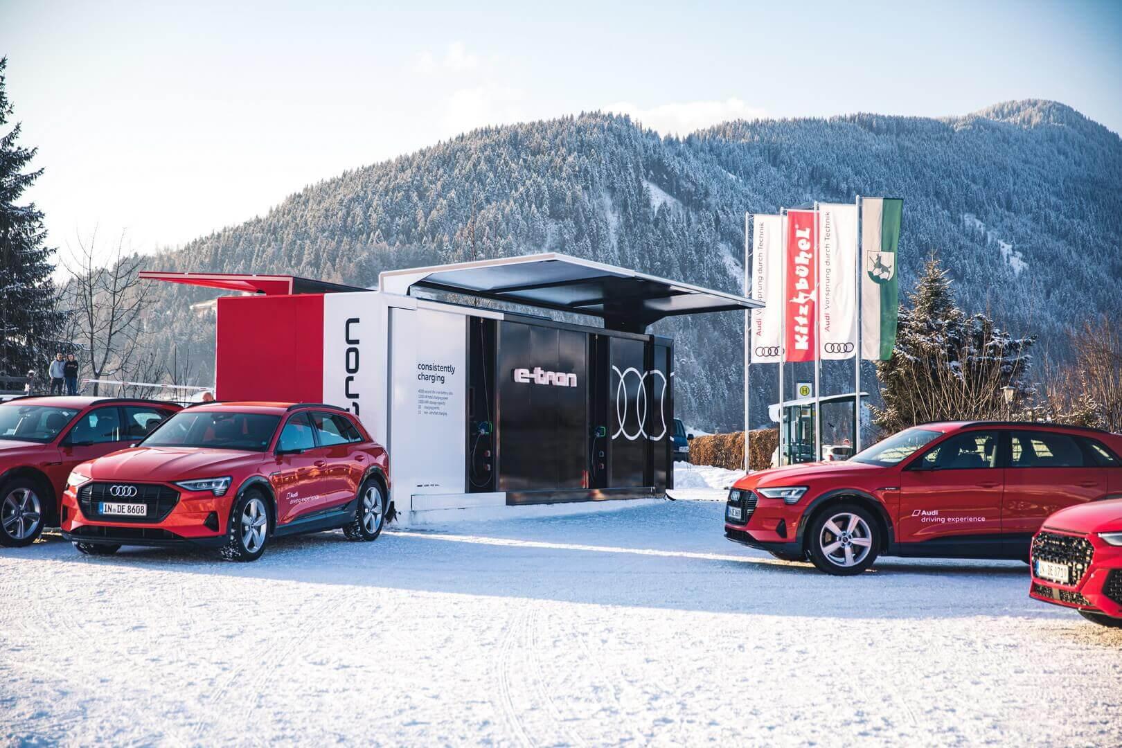 Audi разработала универсальную систему зарядки для электромобилей с помощью бывших в употреблении аккумуляторов e-tron quattro