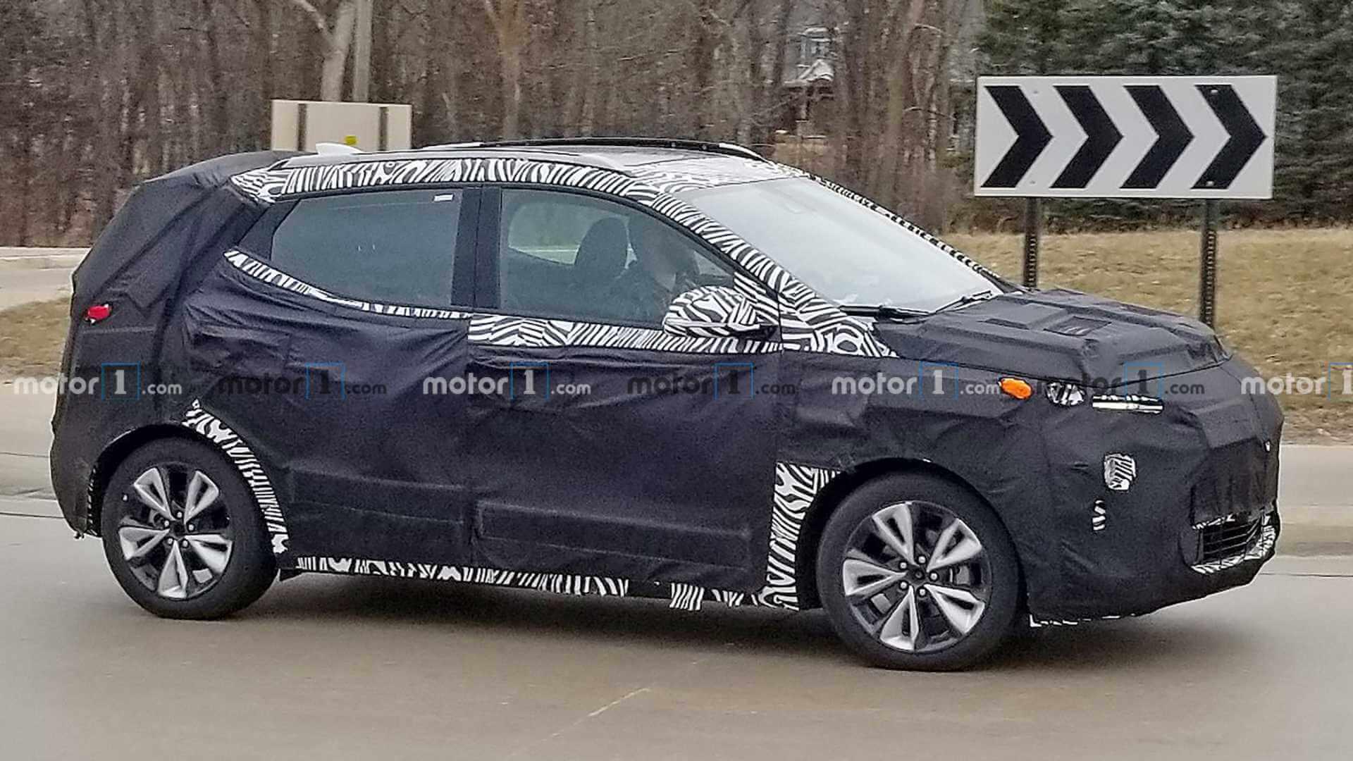 Фотографы-шпионы «поймали» Chevrolet Bolt EUV во время теста