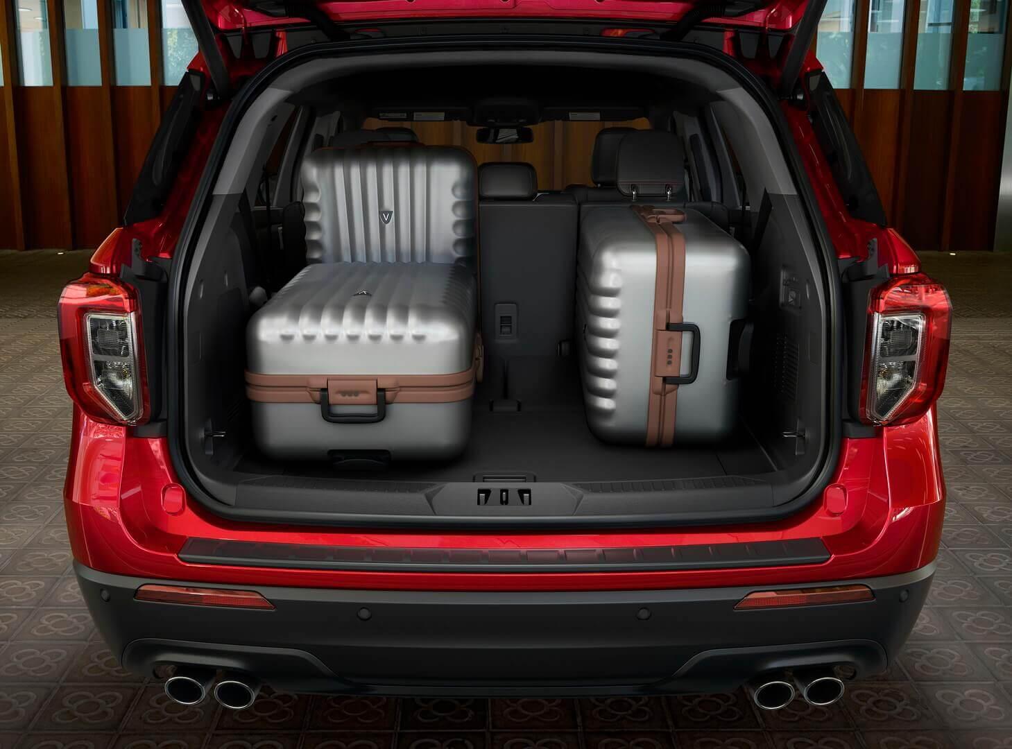 Багажное отделение Ford Explorer Plug-In Hybrid