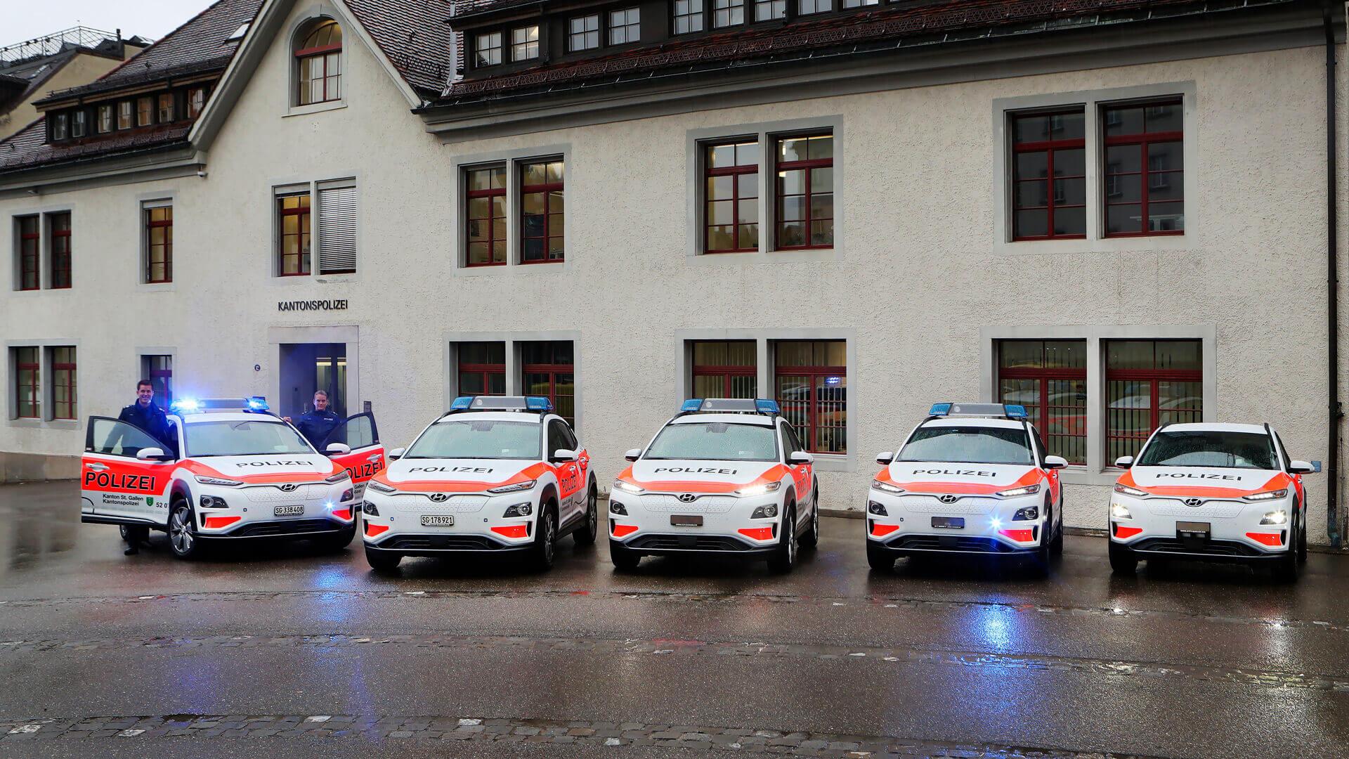 Все большее количество полицейских по всей Европе используют в работе электромобили Hyundai