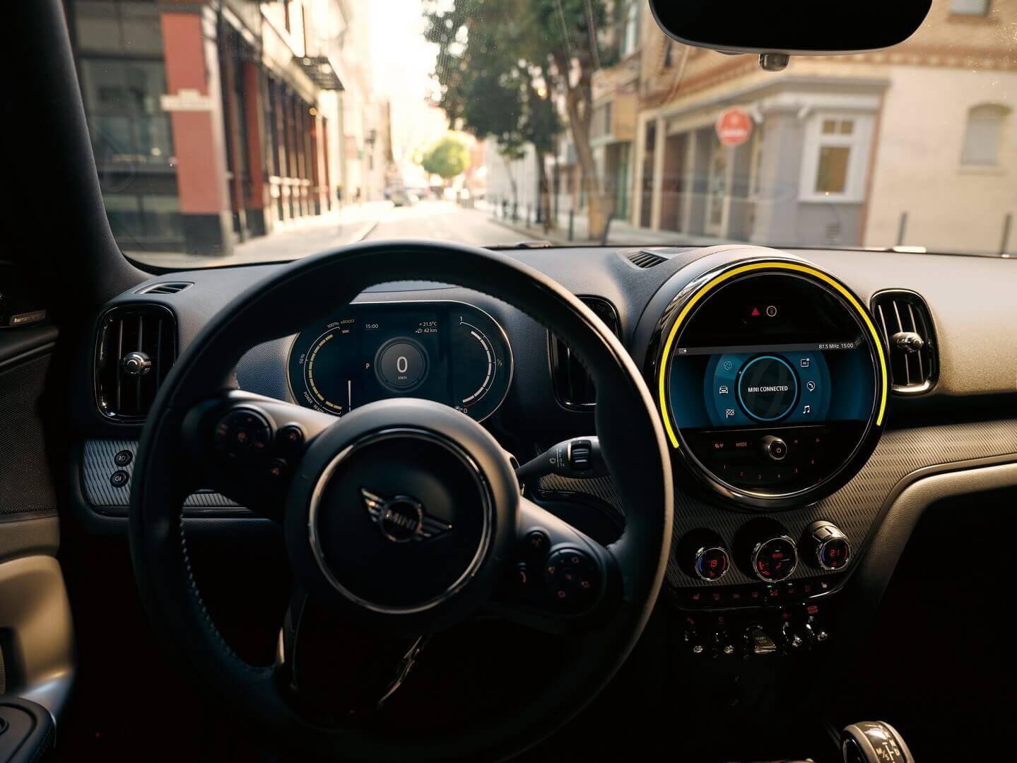 Приборная панель MINI Cooper SE Countryman ALL4 2021