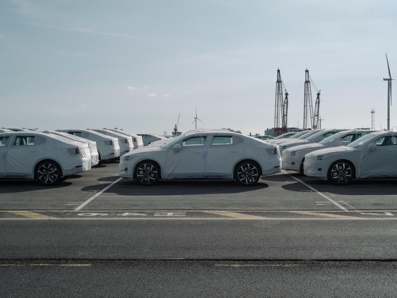 Первая партия электромобилей Polestar 2 прибыла в Европу