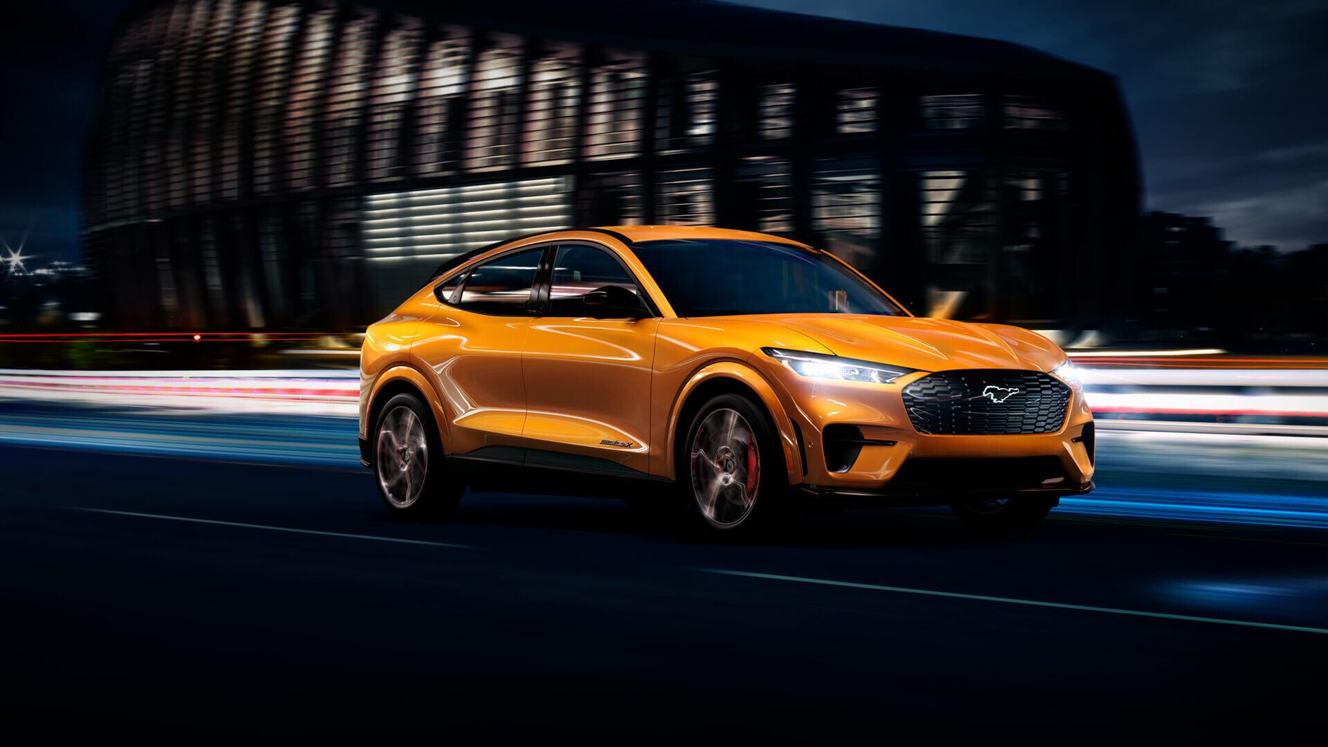 Ford включил в палитру Mach-E культовый цвет Mustang