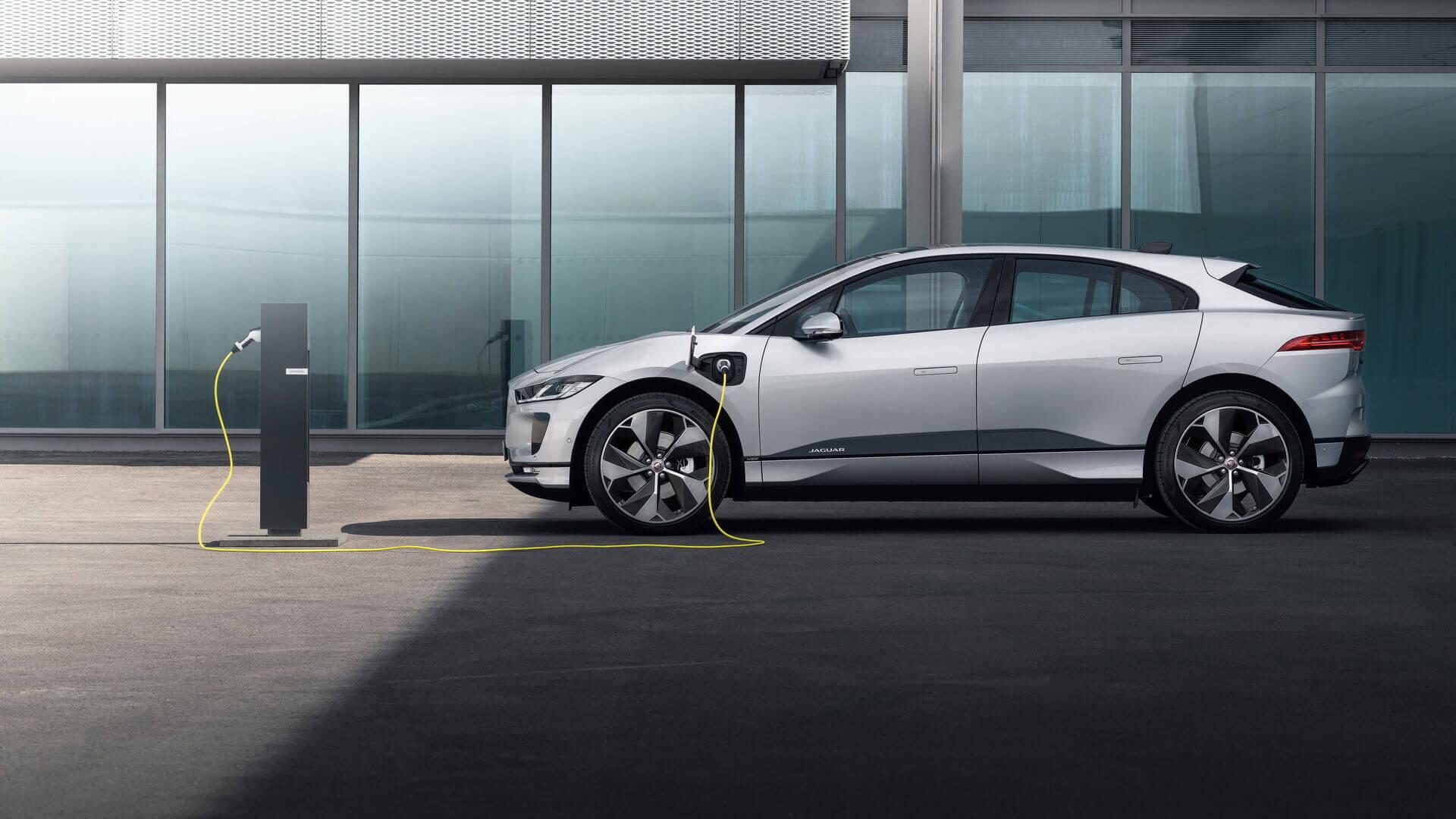 Jaguar выпускает более дешевый и менее мощный I-PACE