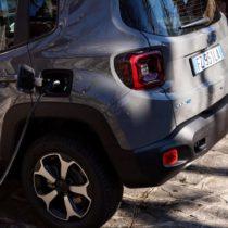 Фотография экоавто Jeep Renegade 4xe - фото 20