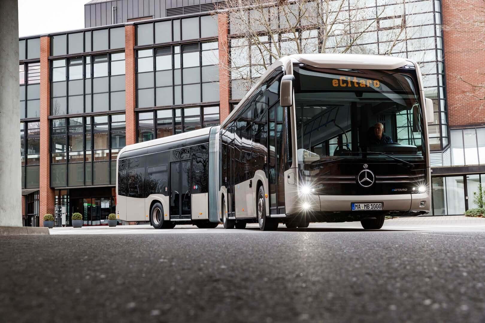 Электрический сочлененный автобус Mercedes-Benz eCitaro G получит твердотельную батарею