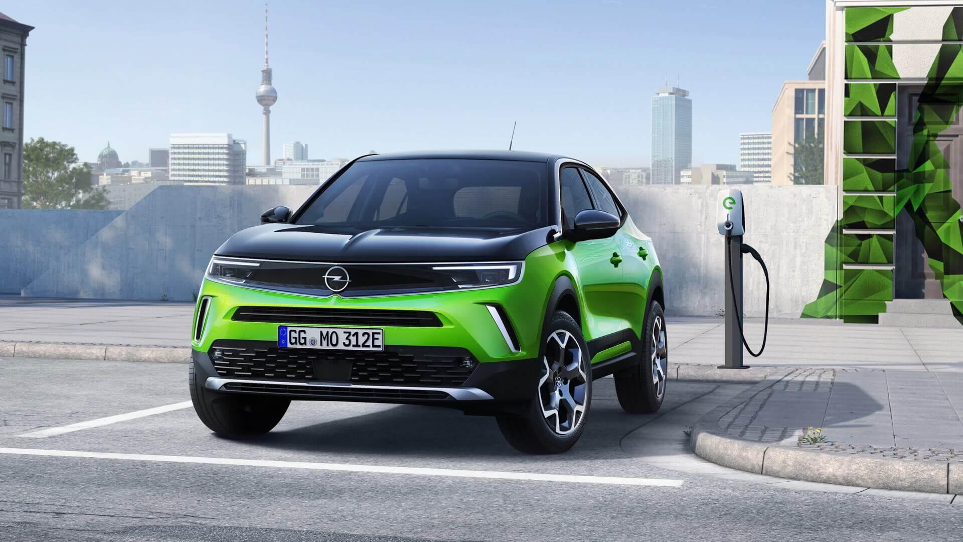Чистая энергия: впервые в истории Opel новый Mokka в полностью электрической версии доступен сразу после выхода на рынок